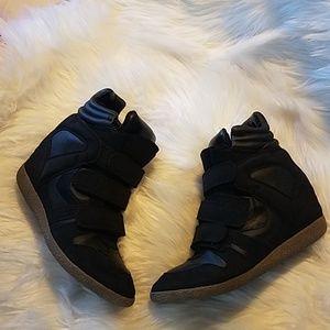 Candie's Black Sneakers Sz 8.5
